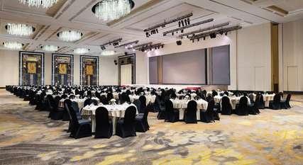 9 Rekomendasi Hotel dengan Fasilitas Ballroom di Bandung untuk Kebutuhan Acaramu, Markus Yohannes