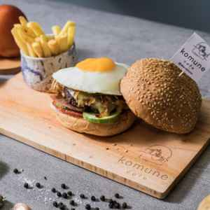 Komune Cafe - Gading Serpong (Free Delivery)