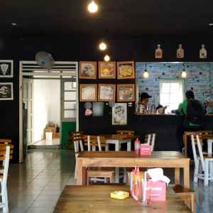Pizzachology Cafe and Lounge