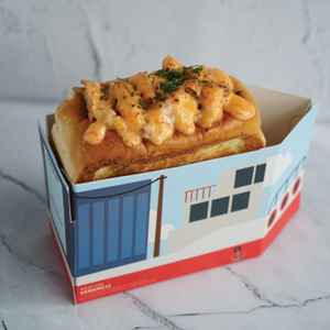 Larry's Seafood Roll (Free Delivery)