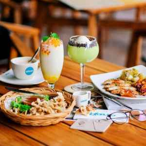 Excelso Cafe & Lucky Strike Bowling Rinjani