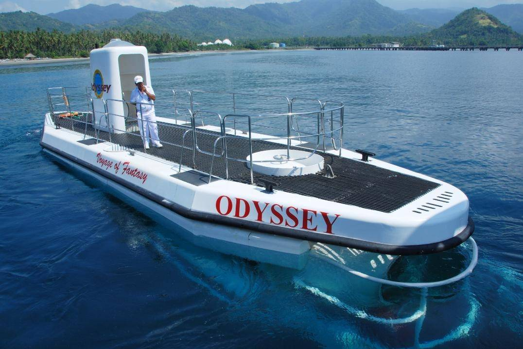 See the underwater world with Odyssey Submarine