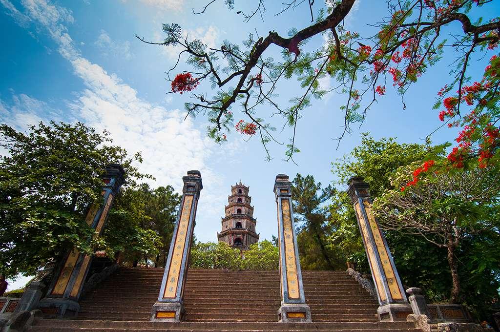 Biet thu Hue - Chua Thien Mu