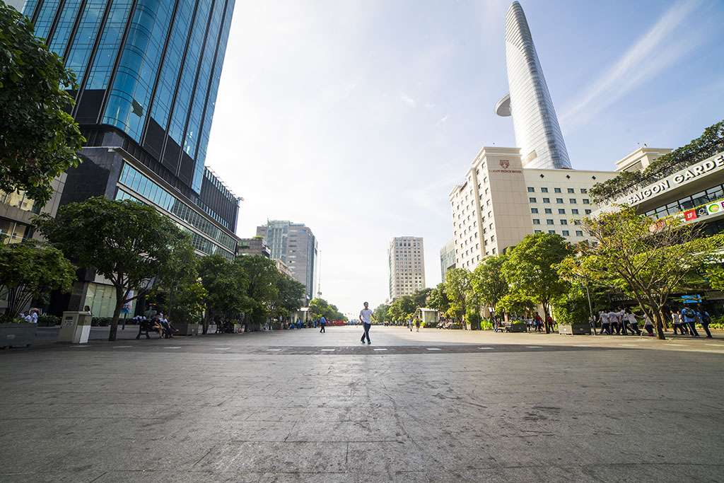 Biet thu Ho Chi Minh - Pho di bo Nguyen Hue