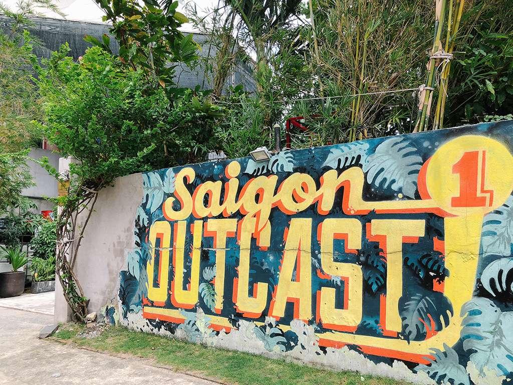 Biet thu Quan 2 - Sài Gòn Outcast
