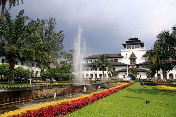 Ide staycation di Bandung