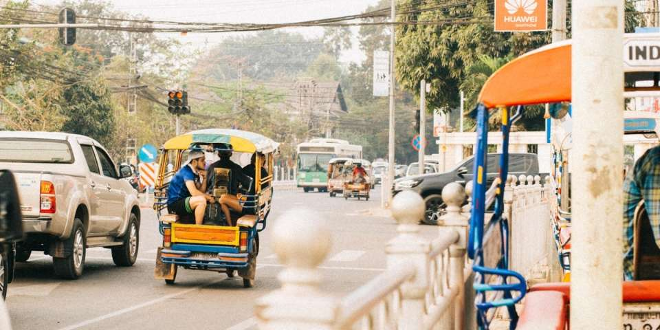 tuk tuk pho bien o Lao va Vientiane