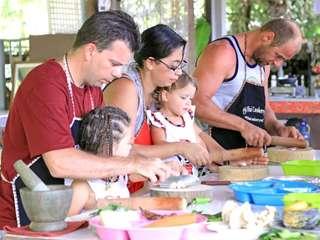 คลาสเรียนทำอาหารในกระบี่ที่ Ya's Cookery School, THB 1,080
