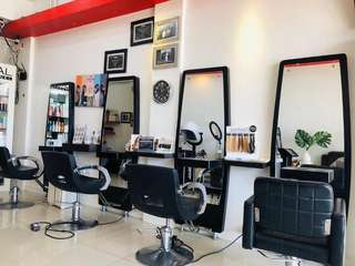 U Hair Studio Bang Bua Thong, THB 990