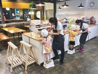 คลาสเรียนทำขนมที่สตูดิโอสอนทำขนม 123 เบค (123 Bake The Baking Studio), THB 745.52