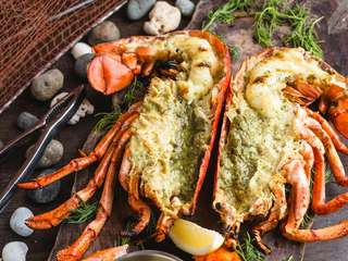 [SALE 27%] Crab and Claw Restaurant Siam Paragon Vouchers, THB 2,000