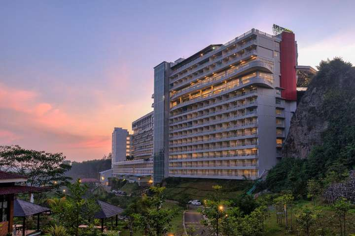 Le Eminence Puncak Hotel Convention Resort Hotel Voucher Exclusive Deal By Traveloka Xperience