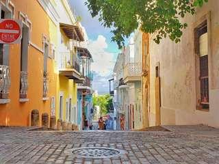 Driving Through the Iconic Old San Juan Virtual Tour with TourHQ, Rp 454.500