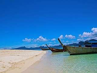 Krabi: Hong Island - 1 Day Tour by Long-tail Boat (by Thai Marano), THB 1,000