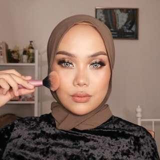Easy Glam-Makeup Tutorial, RM 10