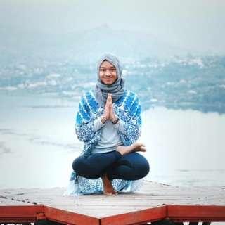 Neck & Shoulder Yoga Stretch, RM 10