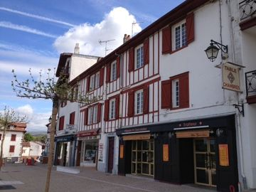 Building 58² for sale in Cambo les Bains