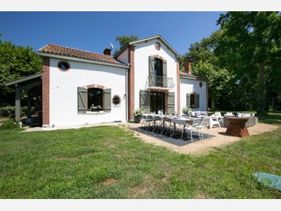 holiday rental villa for 8 in St Vincent de Tyrosse(40) with pool