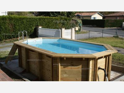 holiday rental villa for 9 in Magesqc(40) with pool