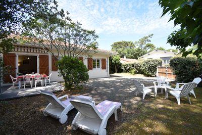 Hossegor - Villa mitoyenne de plain pied rénovée avec jardinet et terrasse