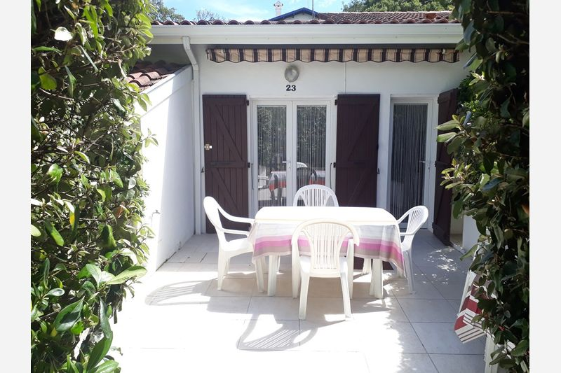 Holiday rental villa in Hossegor for 6 from Agence Petit