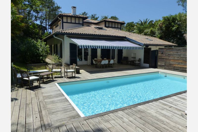 Holiday rental villa in Hossegor for 12 from Agence Petit