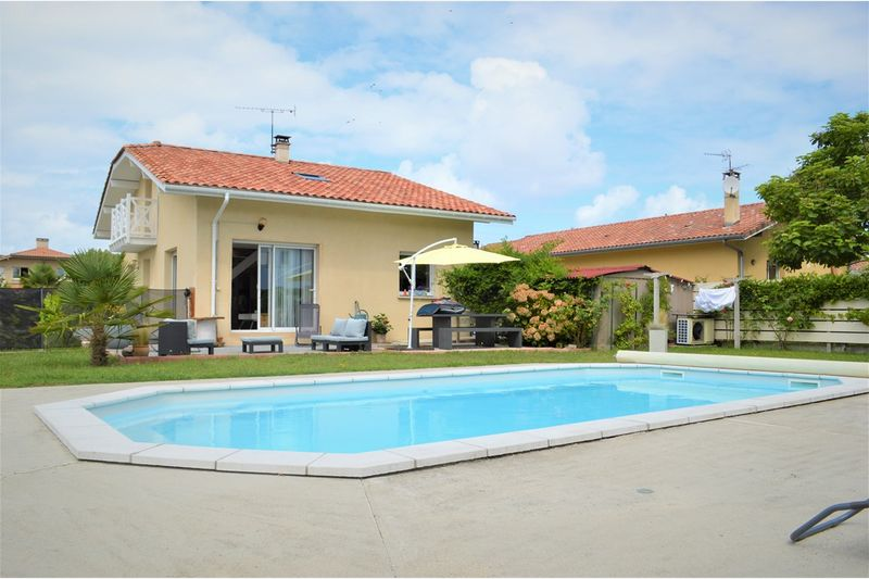 Holiday rental villa in Hossegor for 8 from Agence Petit