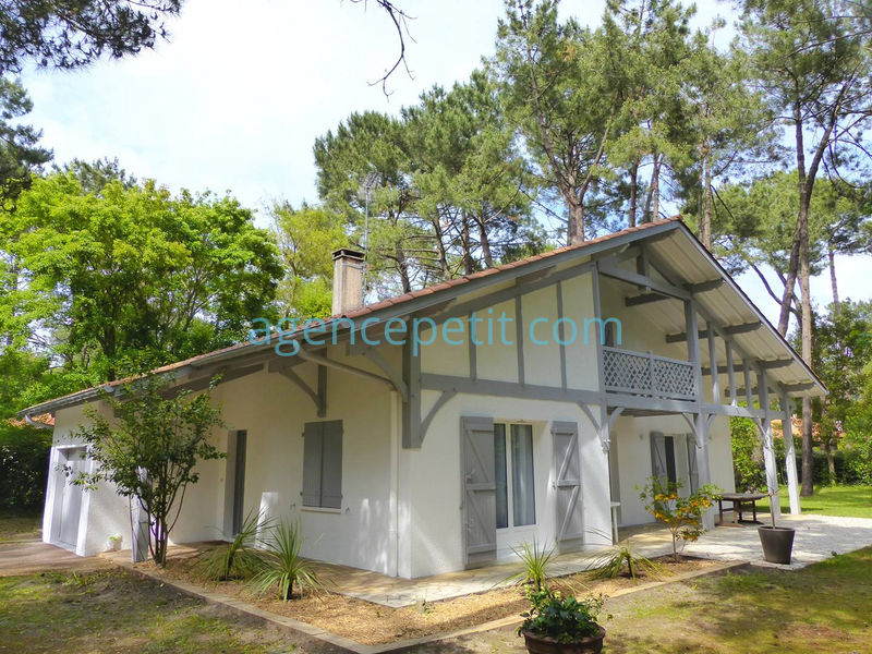Holiday rental villa in Hossegor for 10 from Agence Petit