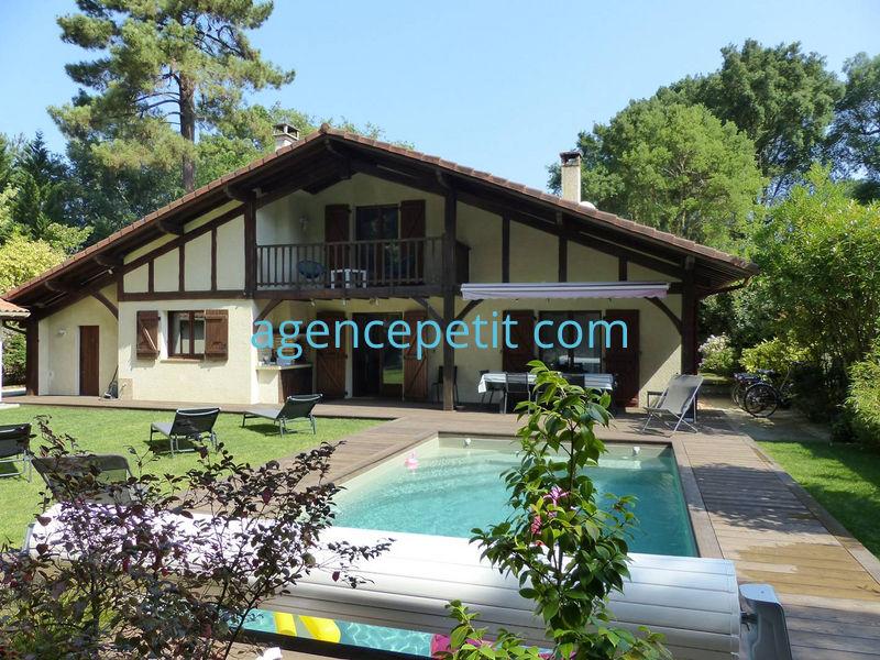 Holiday rental villa in Capbreton for 11 from Agence Petit
