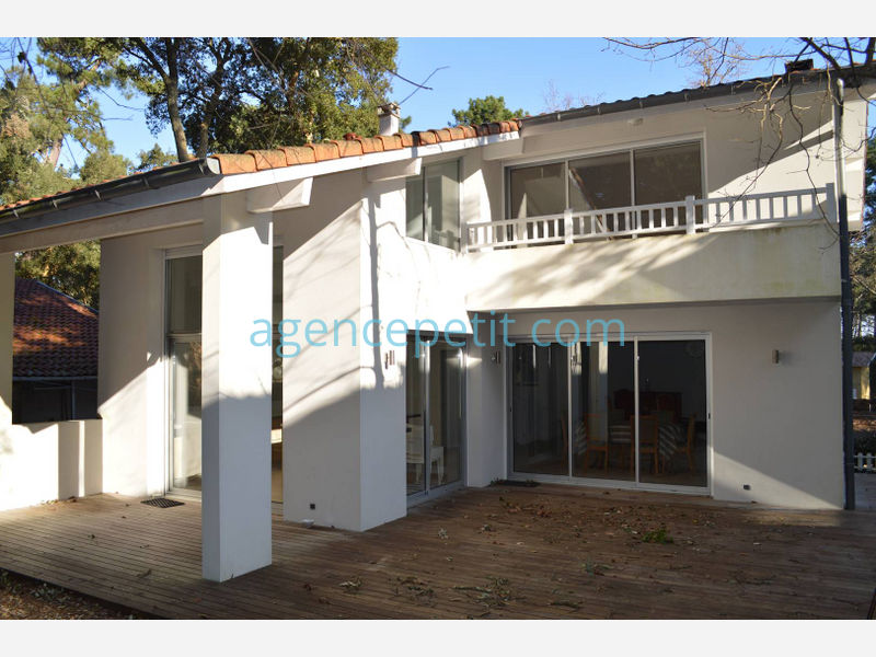 Holiday rental villa in Hossegor for 7 from Agence Petit