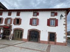 Local commercial to rent in St Jean Le Vieux