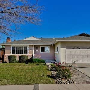 Charming Rancher at the Walnut Creek Border!