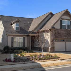 Beautifully Appointed Ranch Style Living!