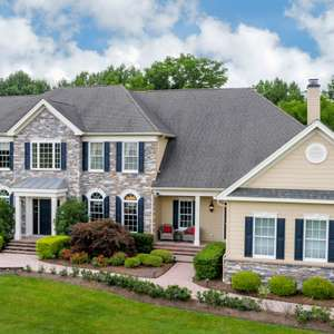 SOLD! Luxury home living in the heart of Chester County!