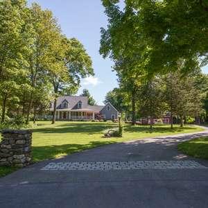 House & Barn on 15+ Acres