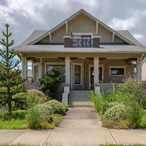 Gorgeous vintage home close to downtown Corvallis and OSU!!
