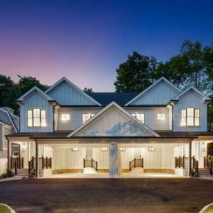 Stunning Luxury Townhouses!