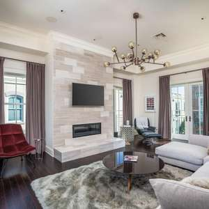 Luxury Charleston Condo In Historic French Quarter
