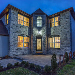 Updated Family Home In The Heart Of Pickering's Sought-After Amberlea!