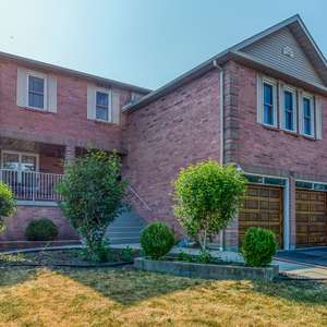 Lovely Large Family Home in Desirable Ajax