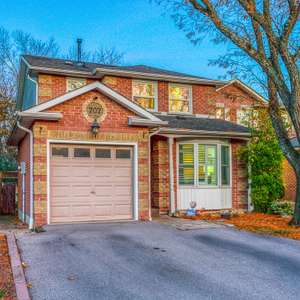 Upgraded Family Home in Sought After Neighbourhood