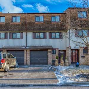 Beautifully Upgraded Condo Townhome