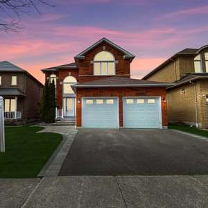 Beautiful Upgraded Pickering Village Home