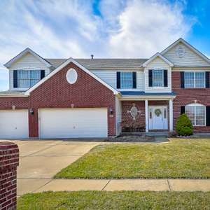 Stunning 2-Story in North O'Fallon with Easy Access to Pool and Bike Trails