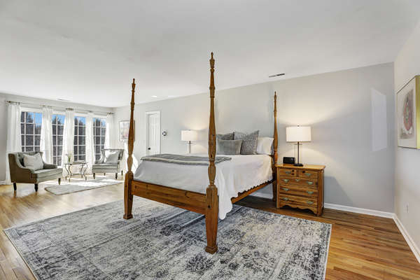 LUXURIOUS AND PRIVATE MASTER SUITE