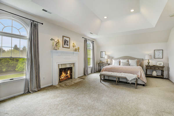 LUXURIOUS MASTER SUITE