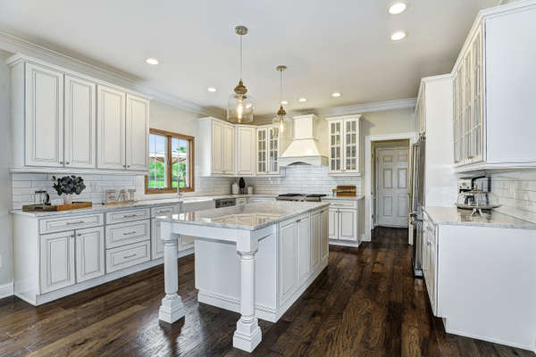 MAGNIFICENTLY UPDATED CUSTOM KITCHEN