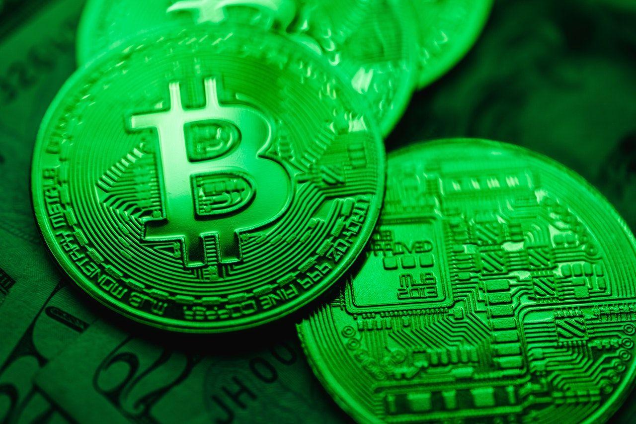 Bitcoin protokolünü yazan kişinin adı Satoshi Nakamoto'dur