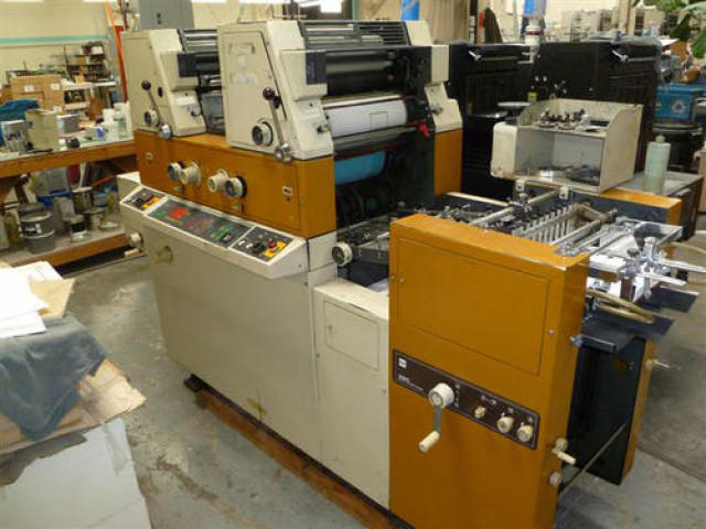 Used Semi-Automatic  Itek Two Color Offset Printing Machine