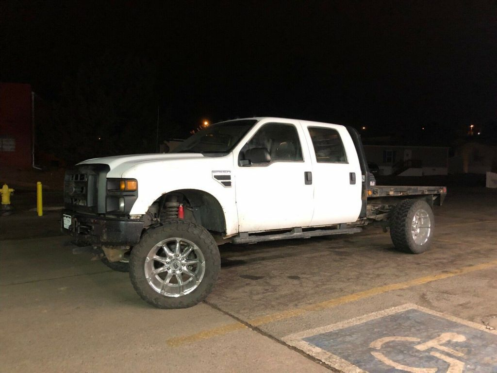 great running 2008 Ford F 350 flatbed crew cab monster